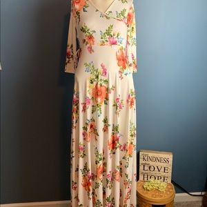 NWT Mother Bee Floral Small Maternity Maxi Dress